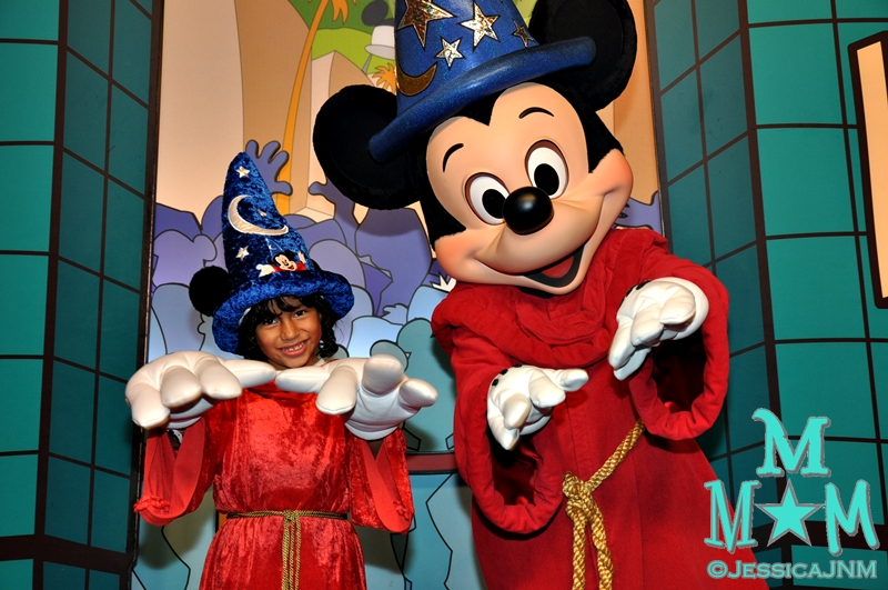 Sorcerer Stitchy-poo and Sorcerer Mickey
